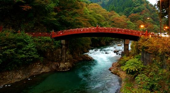 Shinkyo  Bridge, sayangnya saat itu udah gelap